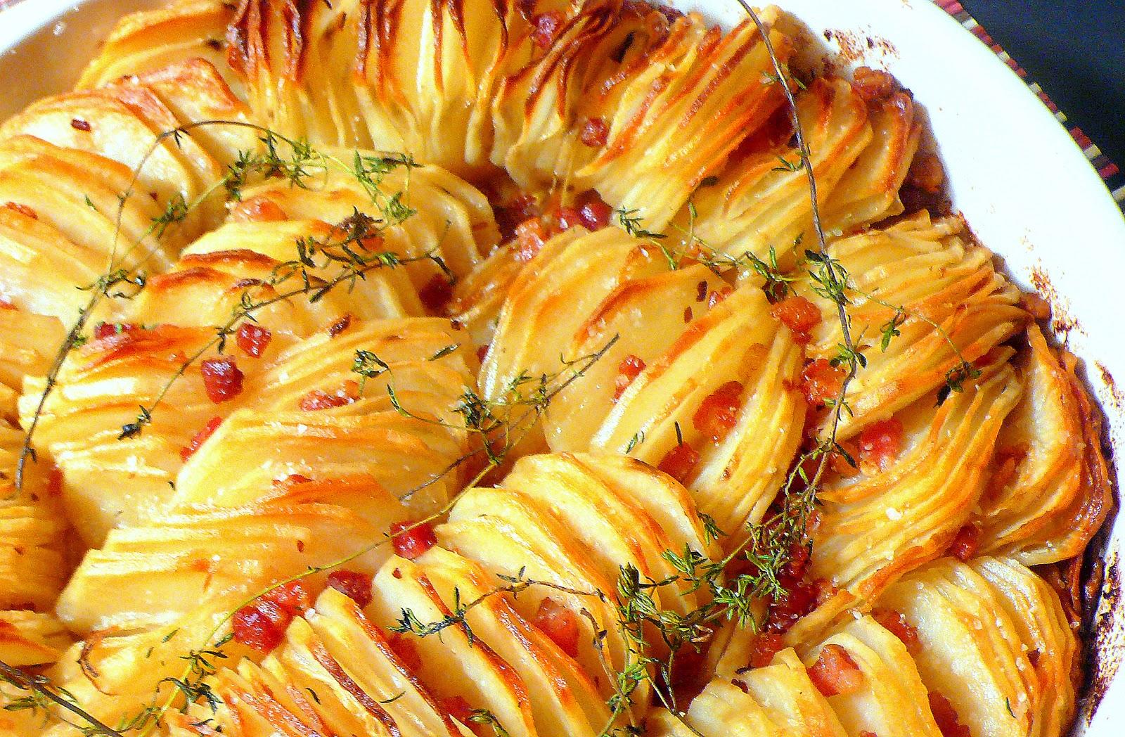 Картошка в с беконом в духовке рецепт пошагово в
