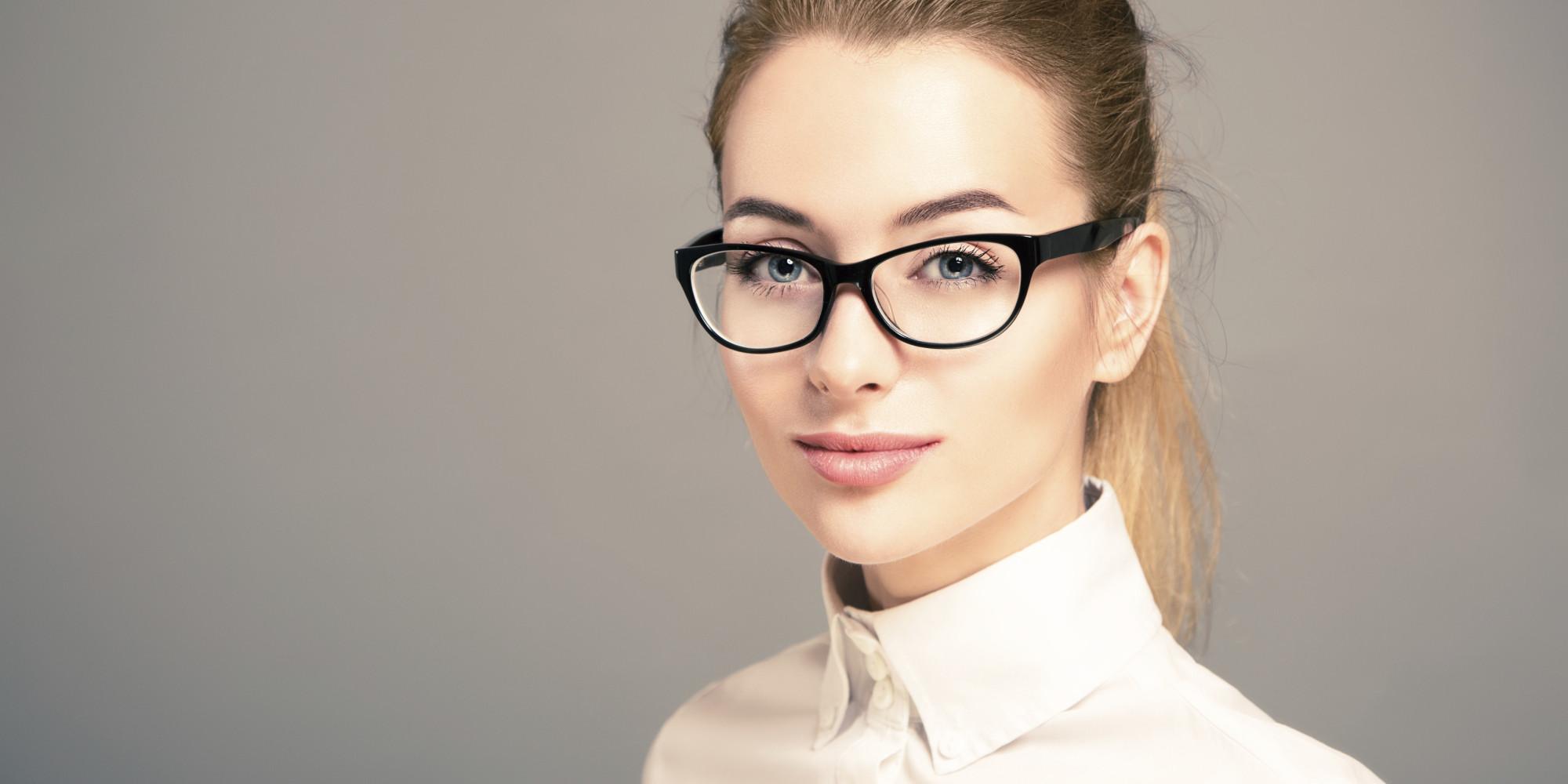 Женщина в очках 3 фотография