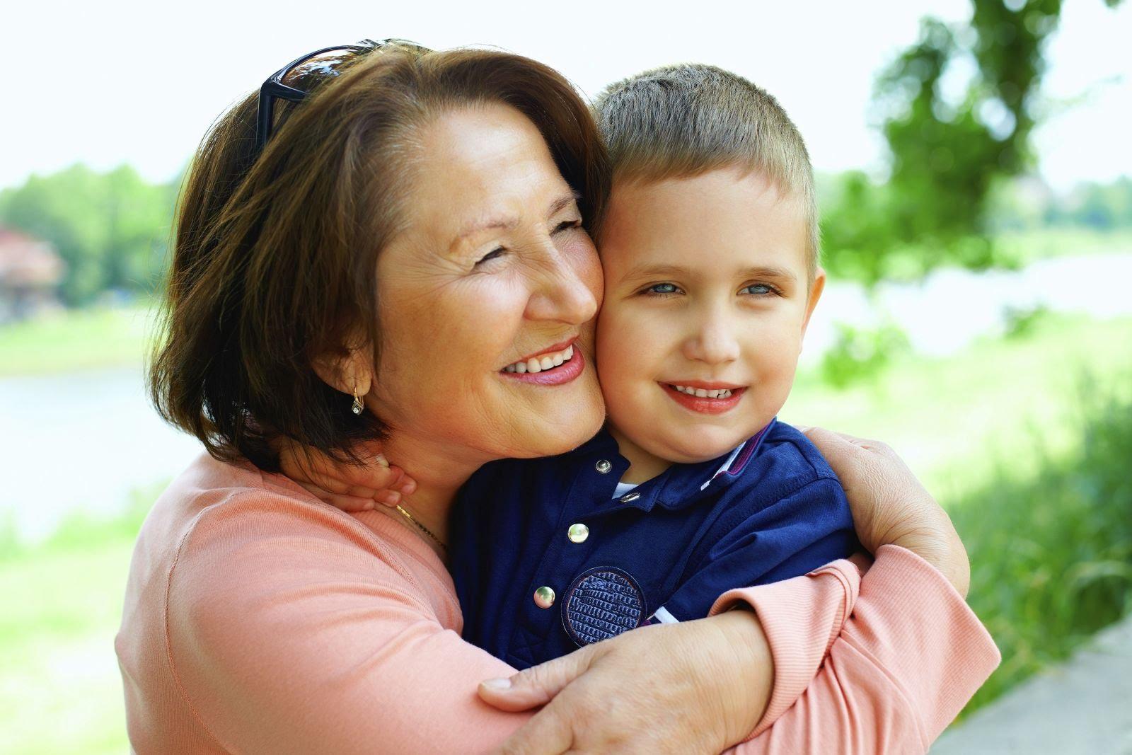 Смотреть русская старая бабушка с внуком 4 фотография