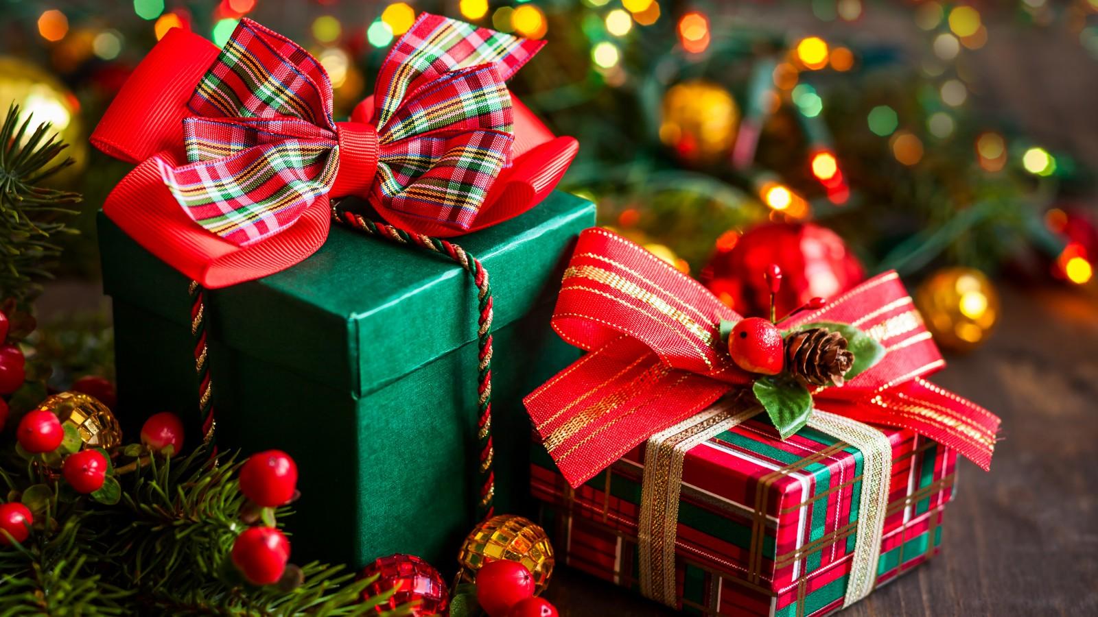 Что можно подарить близким на новый год