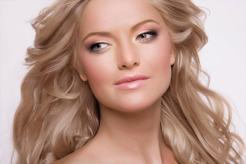 Фото невысокой блондинки издалека 24 фотография