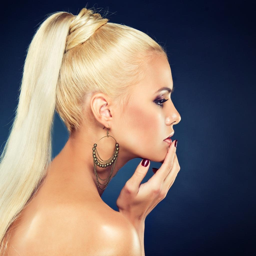 Фото блондинки с зализанным волосом 11 фотография