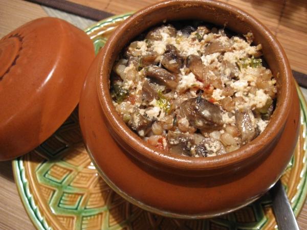 Горшочки с гречкой и мясом в духовке рецепт простой
