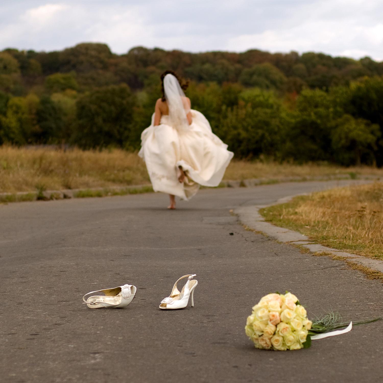 Фото невеста убегает с другим 5 фотография