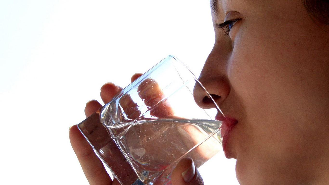 Пьющие сперму литрами девочки 9 фотография
