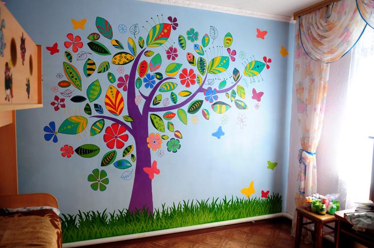 Как раскрасить детскую своими руками 150
