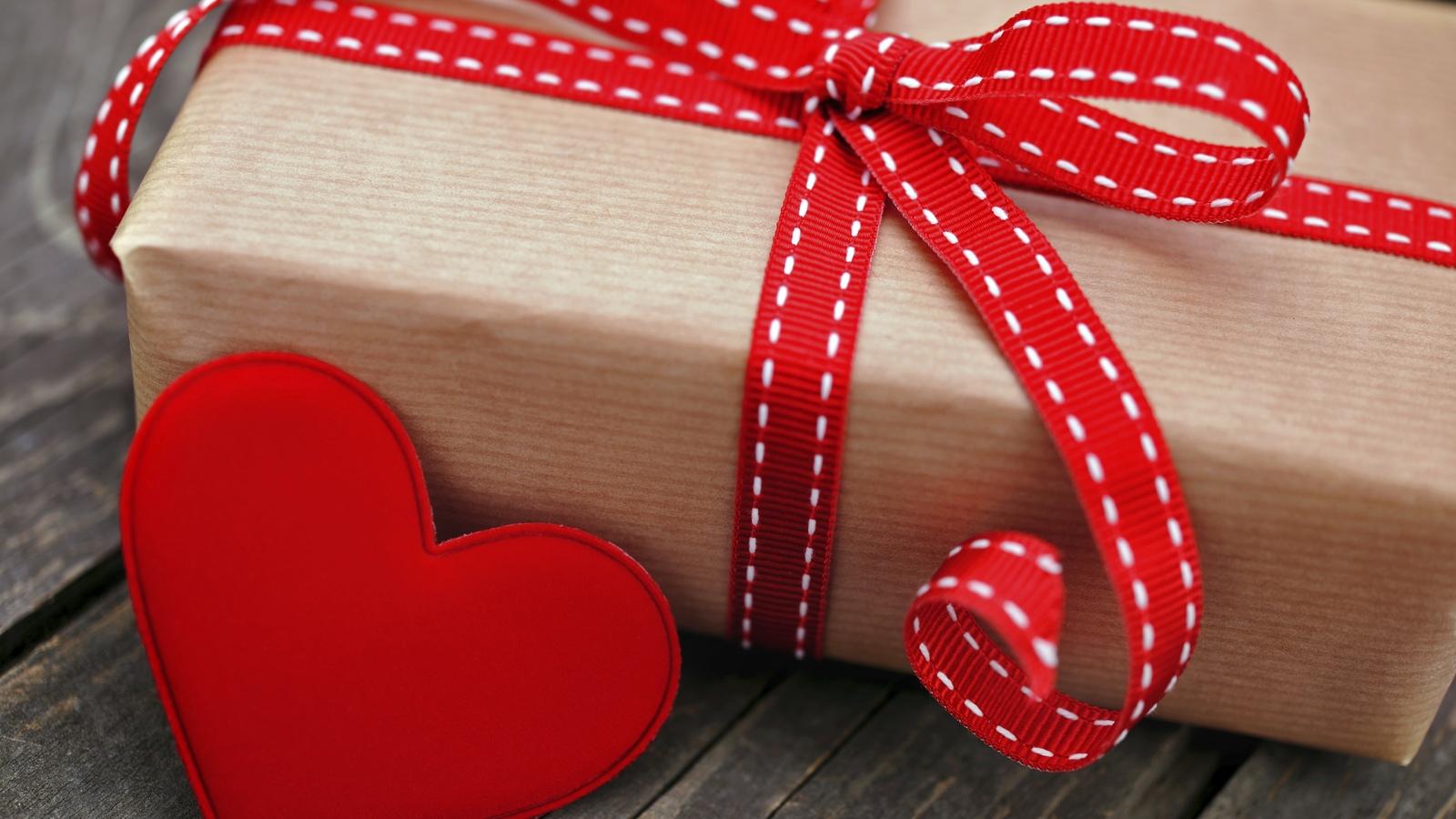 Подарок на валентина день своими руками
