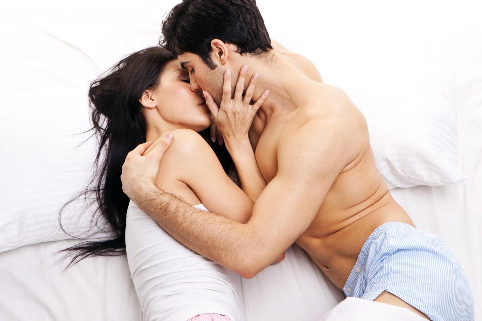 Равноценный сексуальный обмен в постели 8 фотография
