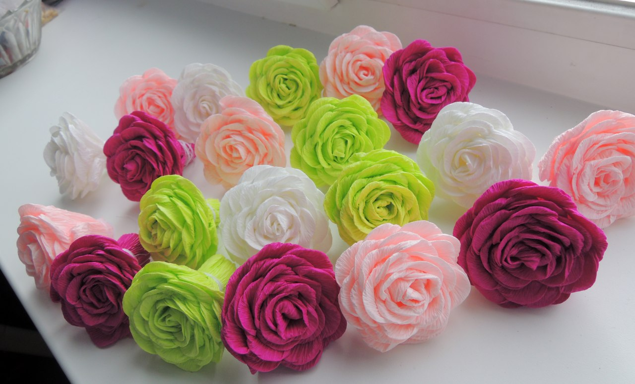 Розы цветы из гофрированной бумаги своими руками