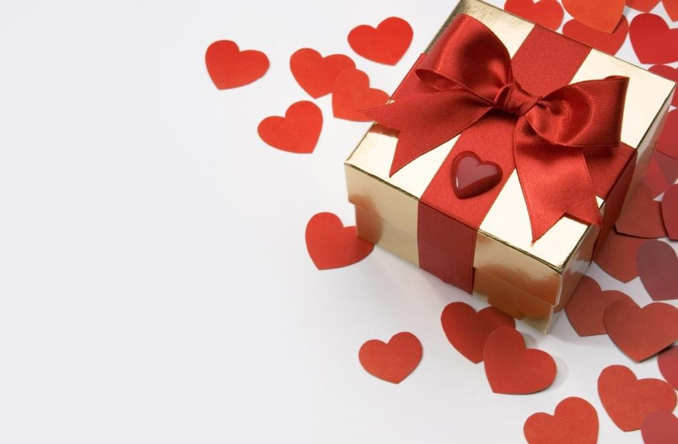 подарок малознакомой женщине