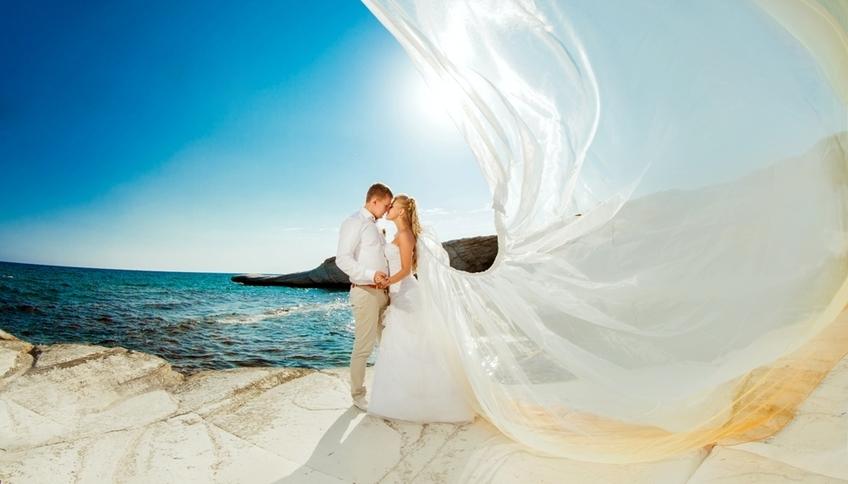 Свадьба - счастливый день для двух любящих людей