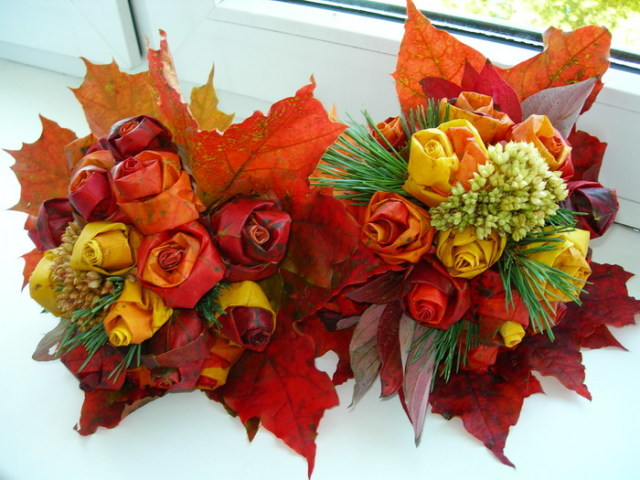 фото розы из кленовых листьев