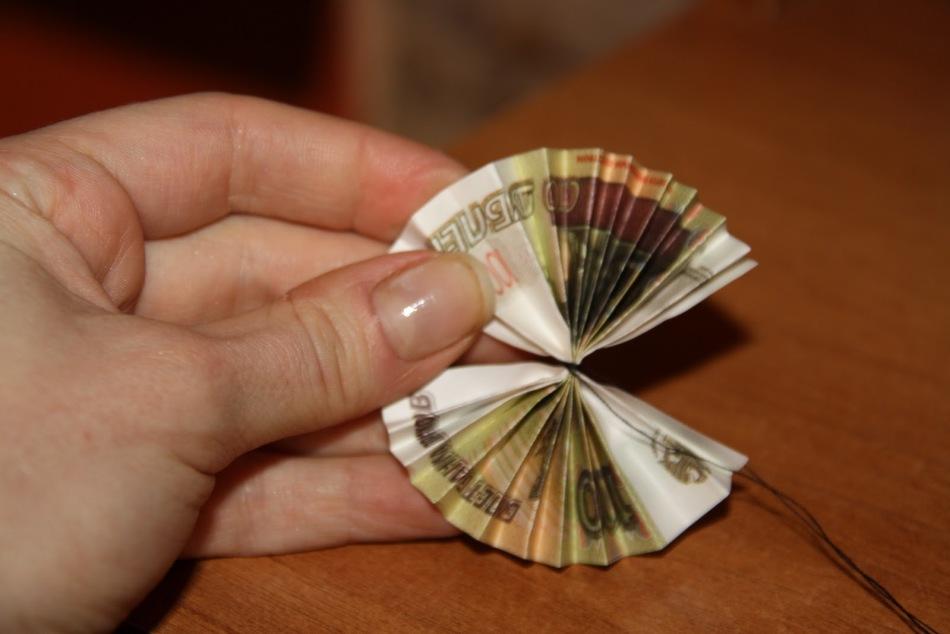 Своими руками из денежных купюр и монет