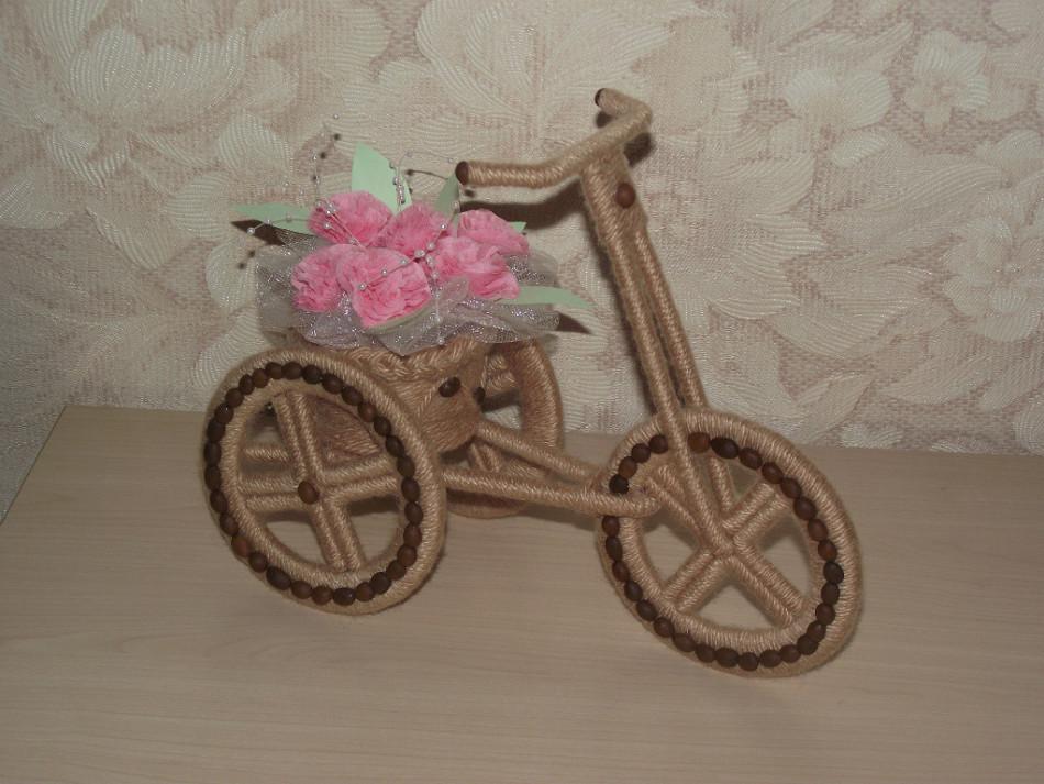 В итоге после собирания воедино всех деталей кашпо-велосипед выглядит так