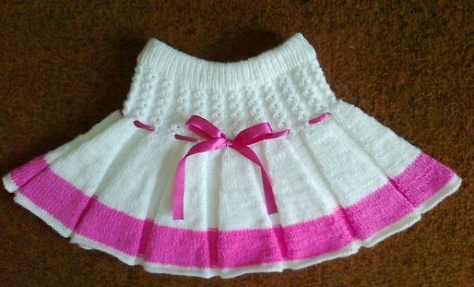 Вязанная спицами детские юбки