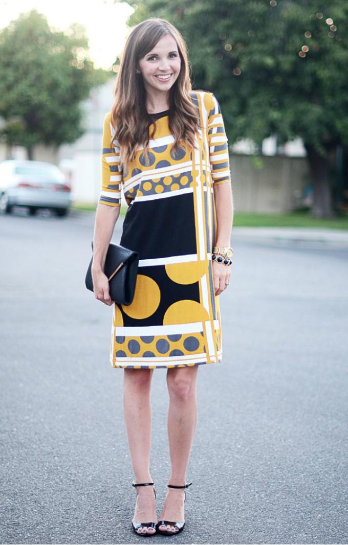 Прямое простое платье готово