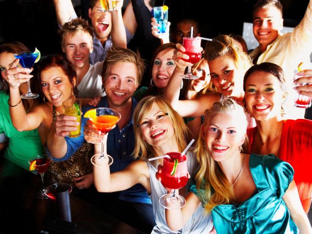 Как веселятся девчонки после выпускного фото 467-978