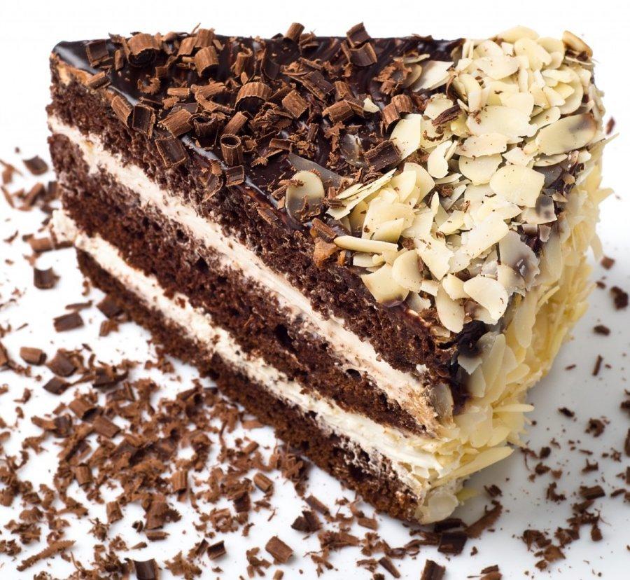 Украшение торта стружкой
