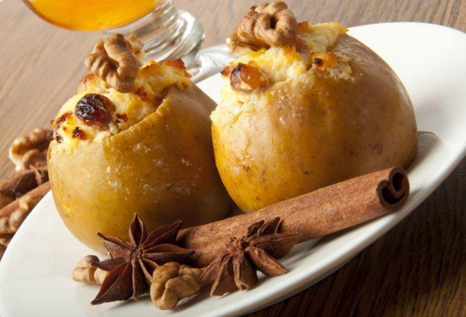 Сколько калорий в запеченном яблоке с медом?