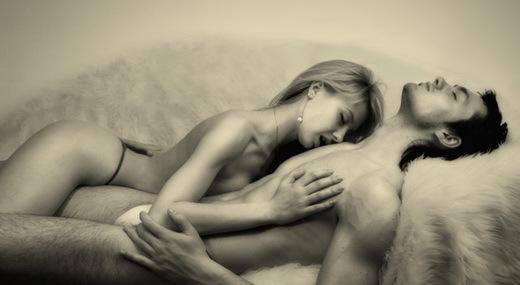 Оргазм от ласкания груди женщины