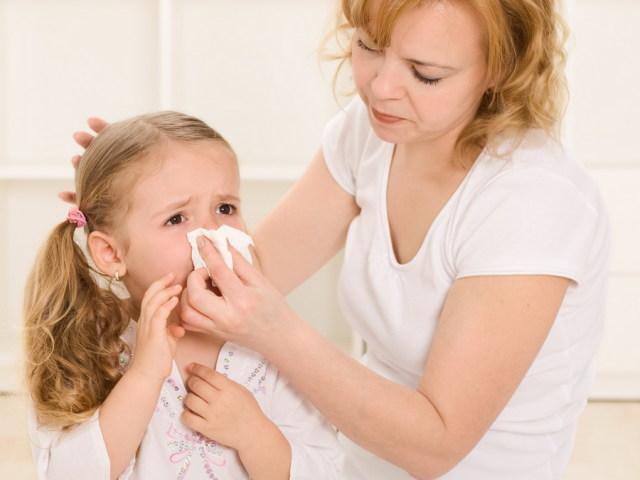 Как ребенку остановить кровь с носа в домашних условиях