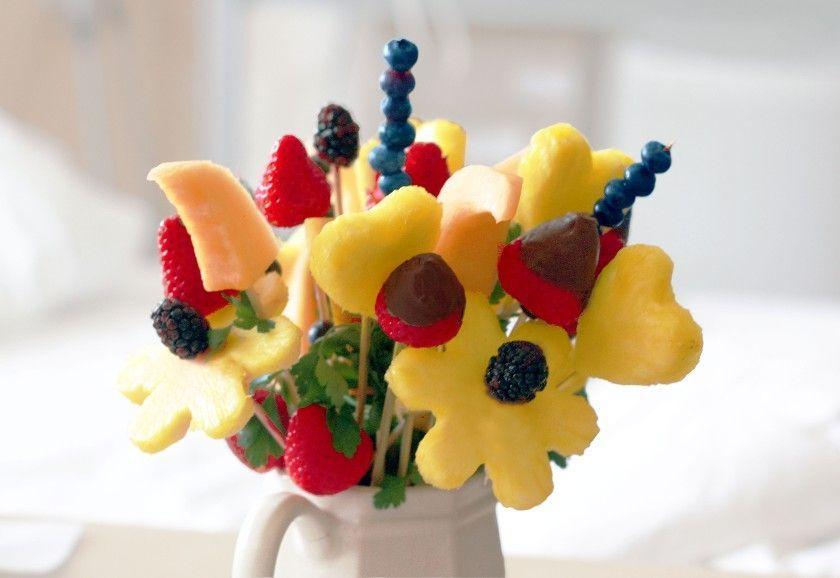 Как своими руками сделать подарок из фруктов