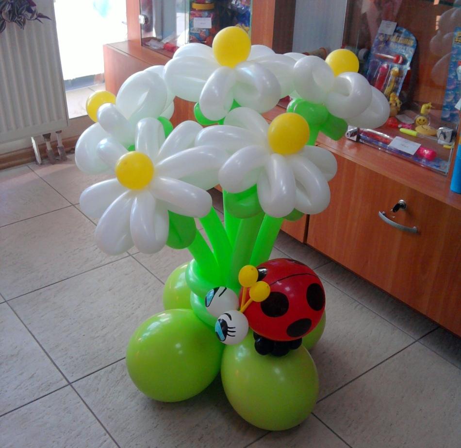Подарок на день рождения своими руками с шариков