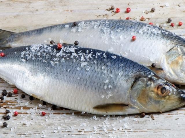 Как из пересоленной рыбы сделать малосольную 681