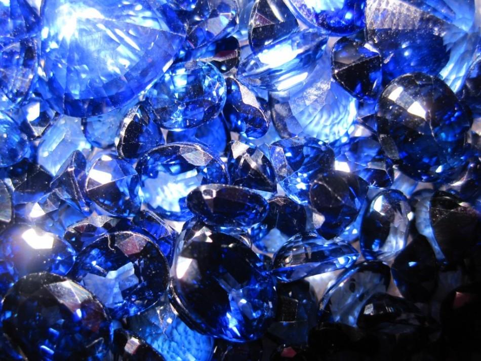 К чему снится синий камень