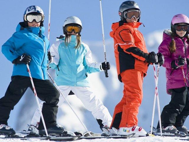 Как правильно подобрать лыжи и лыжные палки по росту и весу  Как правильно подобрать лыжи и лыжные палки по росту и весу ребенка взрослого таблица Как подобрать беговые коньковые лыжи и для классического хода и