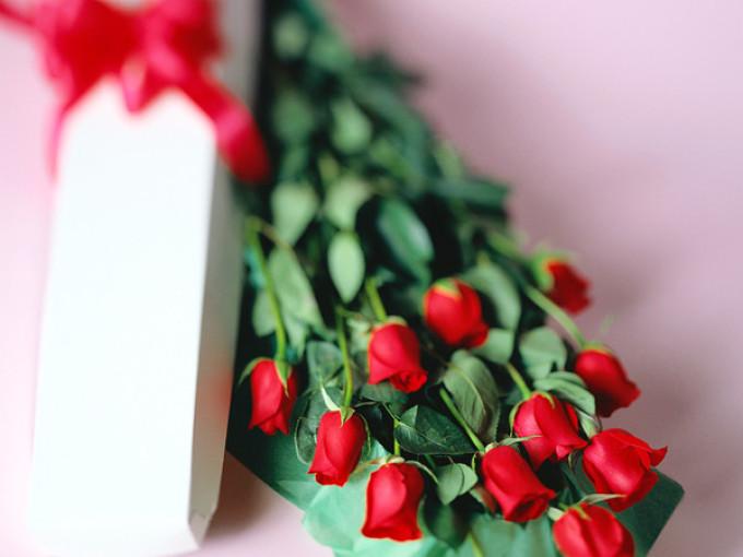 Получить во сне в подарок цветы