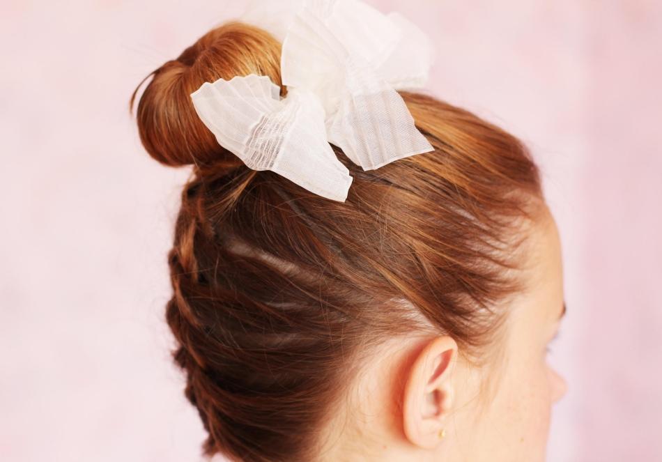 Банты и прически девочкам на 1 сентября своими руками: идеи красивых причесок для девочки первоклассницы и девочки подростка