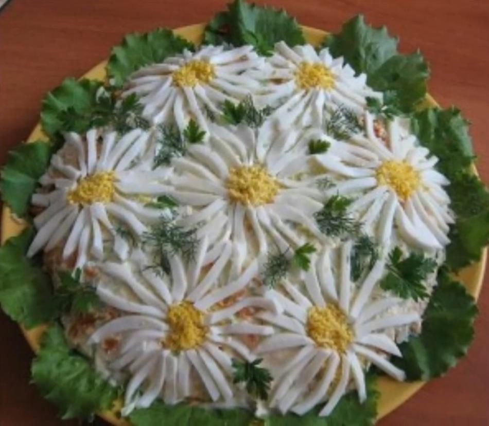 как украсить салаты. фото