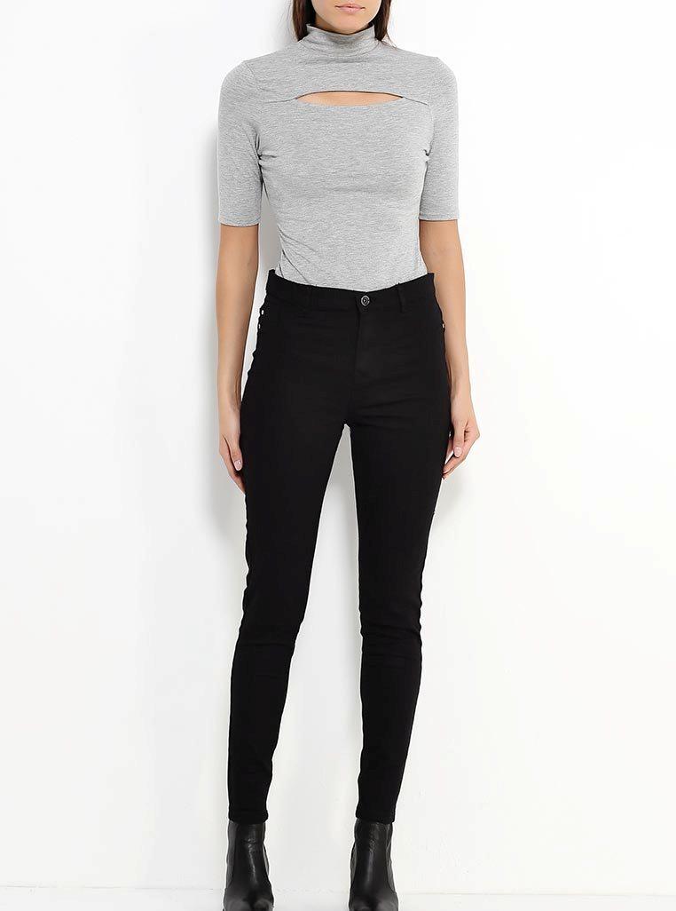 Фото красивых девушки в черных обтягивающих джинсах фото 730-658