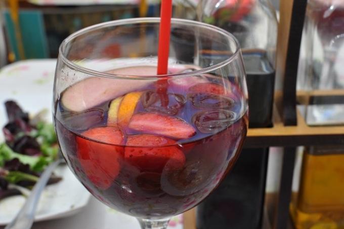 Как сделать сангрию на вине 31