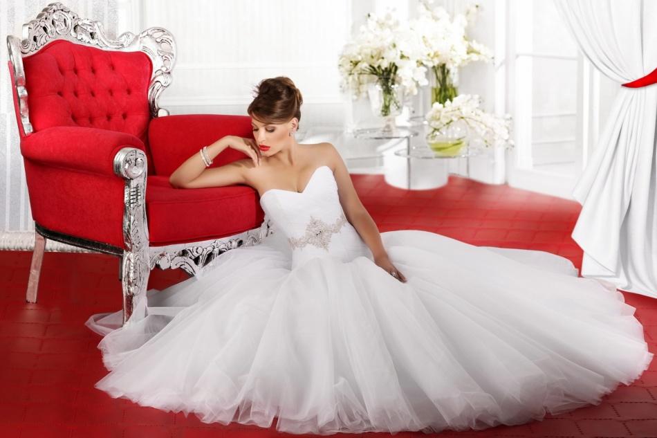 К чему снится мерить свадебное платье на себе незамужней девушке