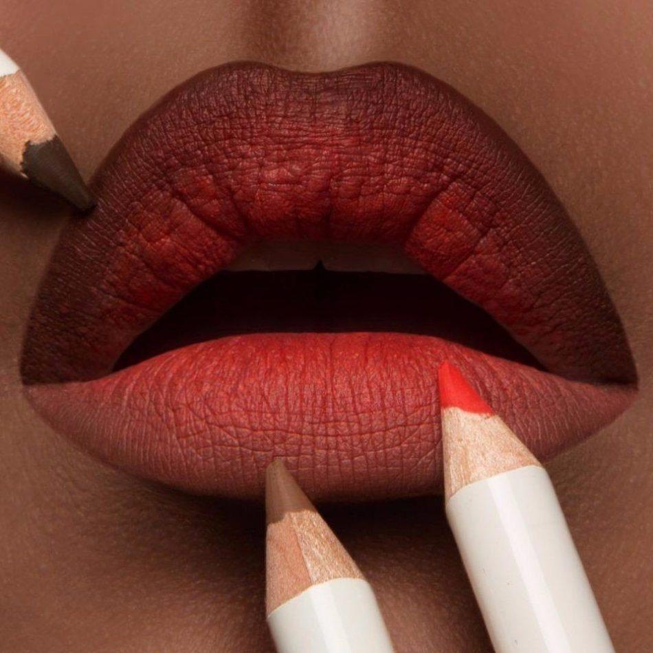 Для макияжа для губ омбре можно использовать более двух оттенков