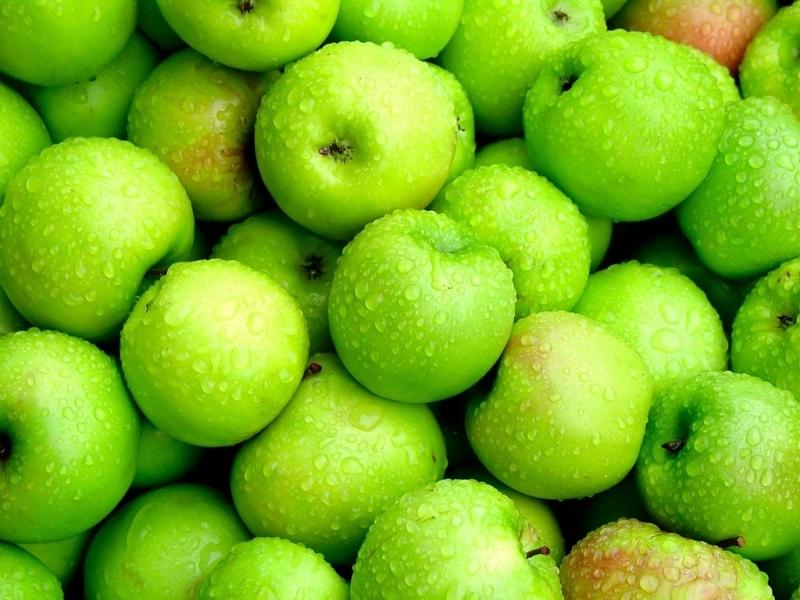 Что можно сделать из зеленых яблок с дерева