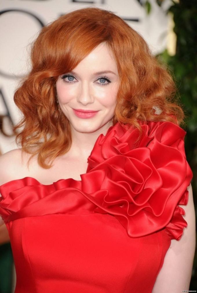 Какое платья подходит для рыжих волос