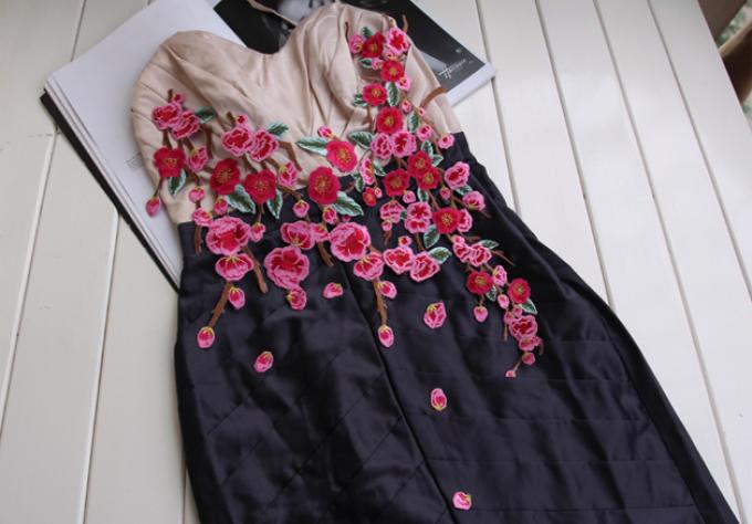 Аппликация на сетке для платья своими руками 1