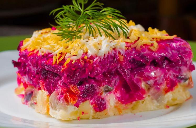 Салат классический «селедка под шубой» с майонезом