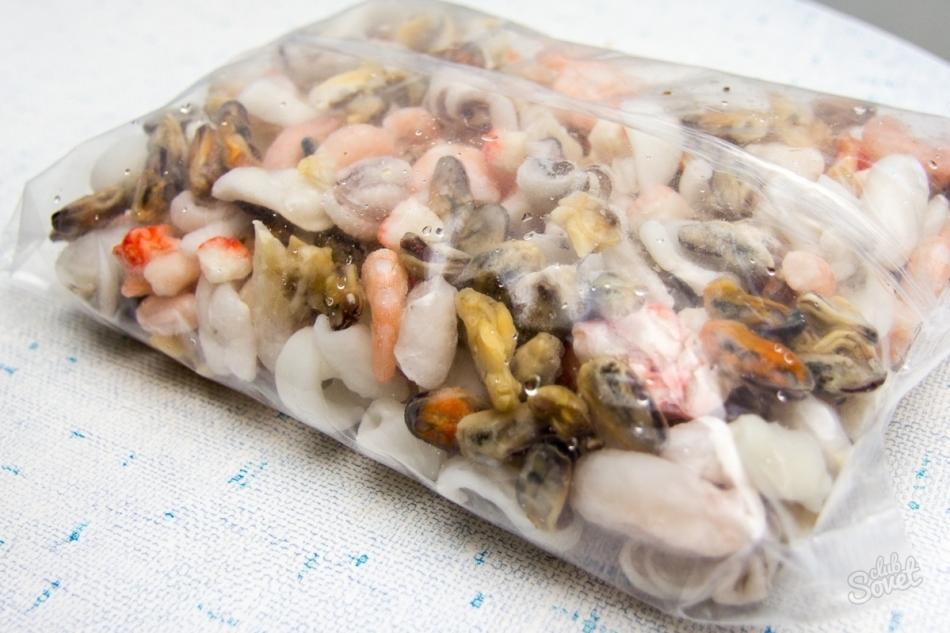 как приготовить морской коктейль замороженный на сковороде в сливках
