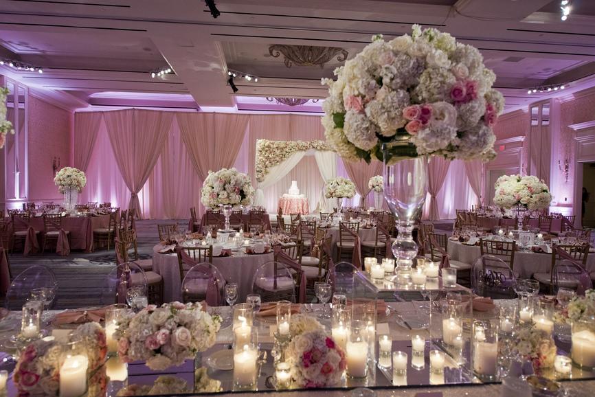 Украшение залов на свадьбу недорогое