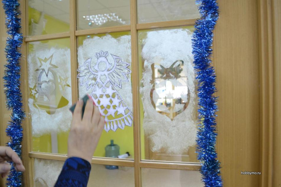 Украшения стекол на новый год