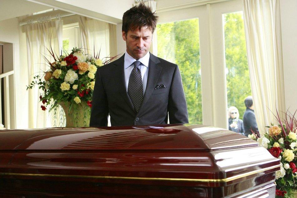 К чему снится подарок от умершего родственника 57