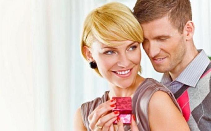 Как раскручивать любовника на подарки