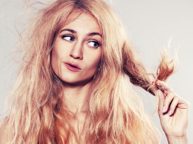 Сухие повреждённые волосы