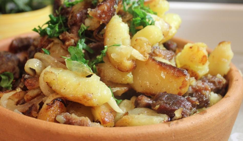 как вкусно пожарить картошку с курицей на сковороде