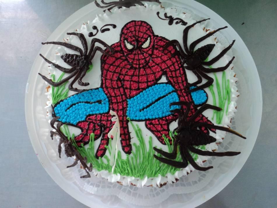 Тортик человек паук фото