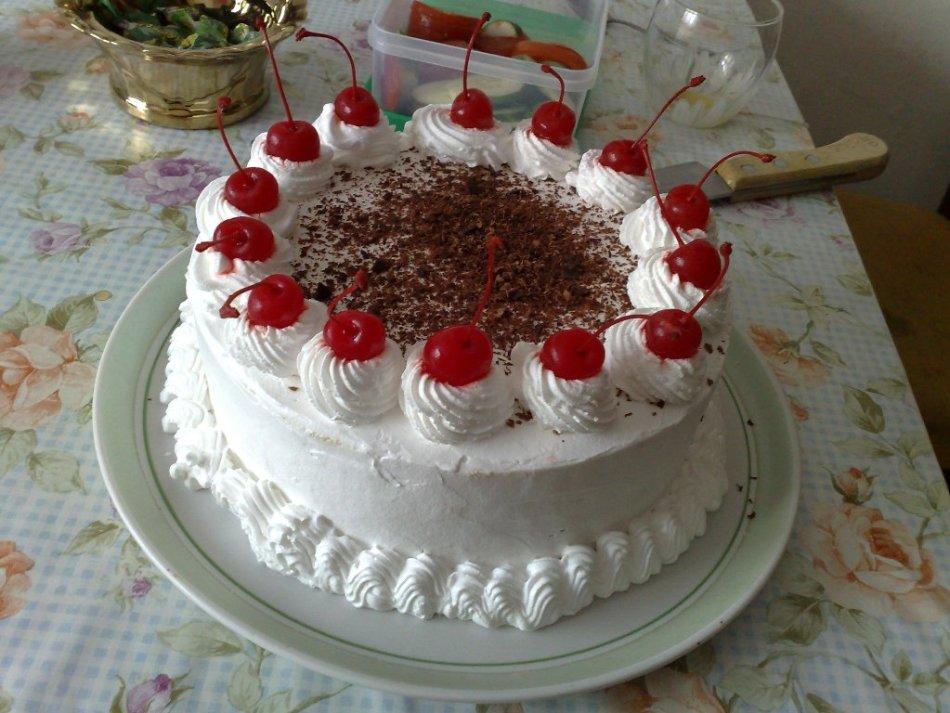 Торт со взбитыми сливками рецепт с фото пошагово